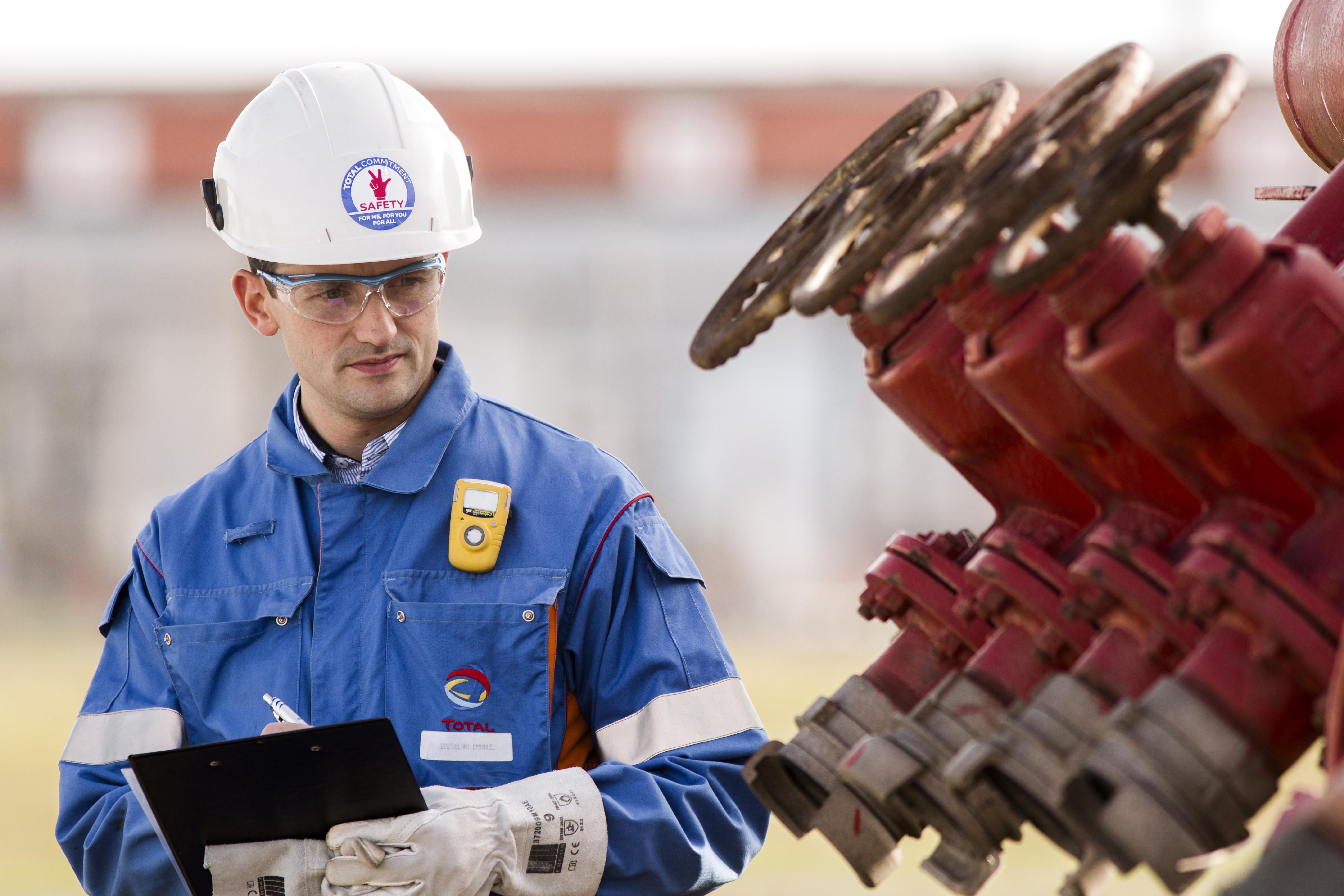 Realistic natural gas storage models ii trading strategies