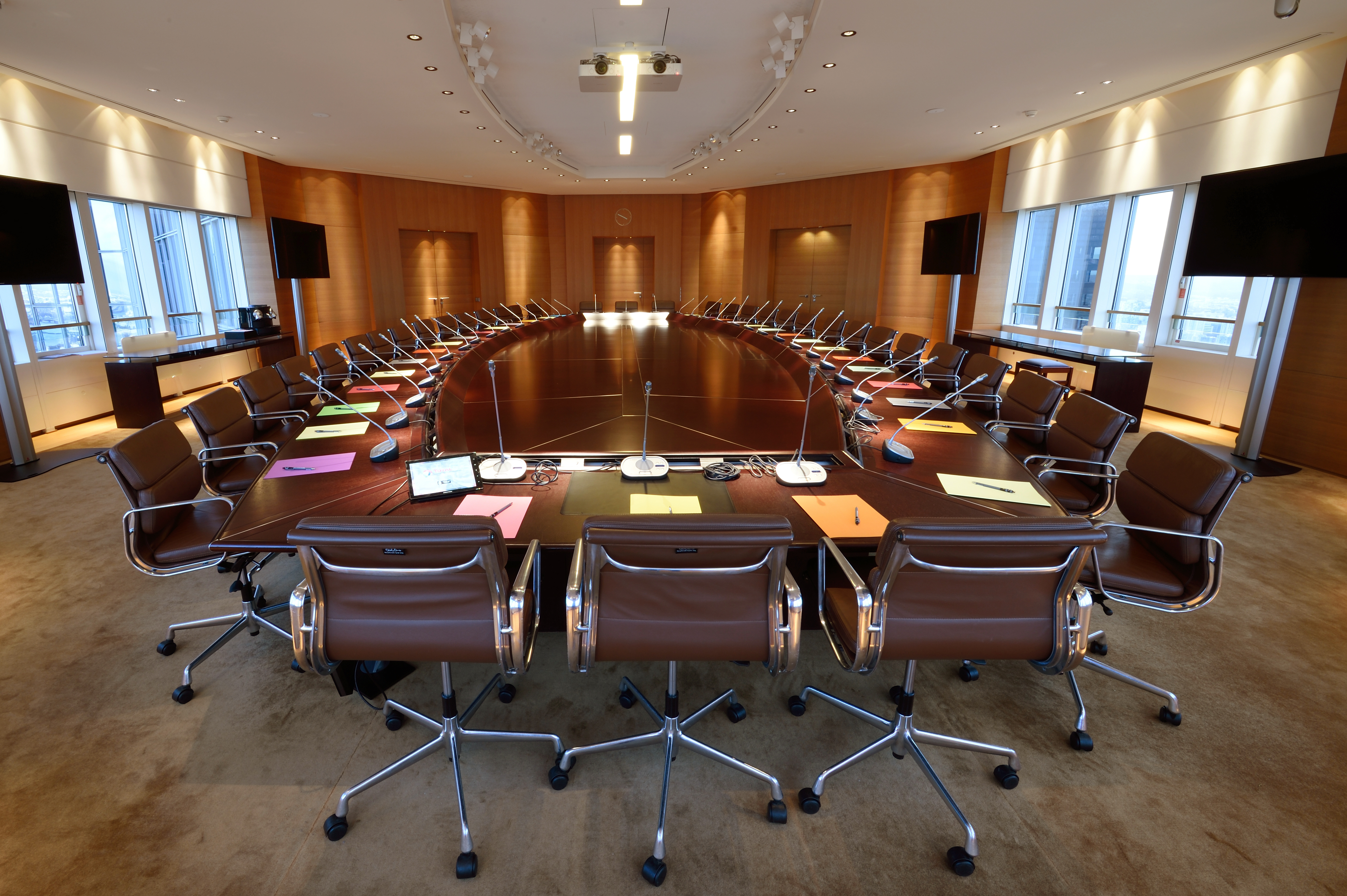 biographies des membres du conseil d 39 administration. Black Bedroom Furniture Sets. Home Design Ideas